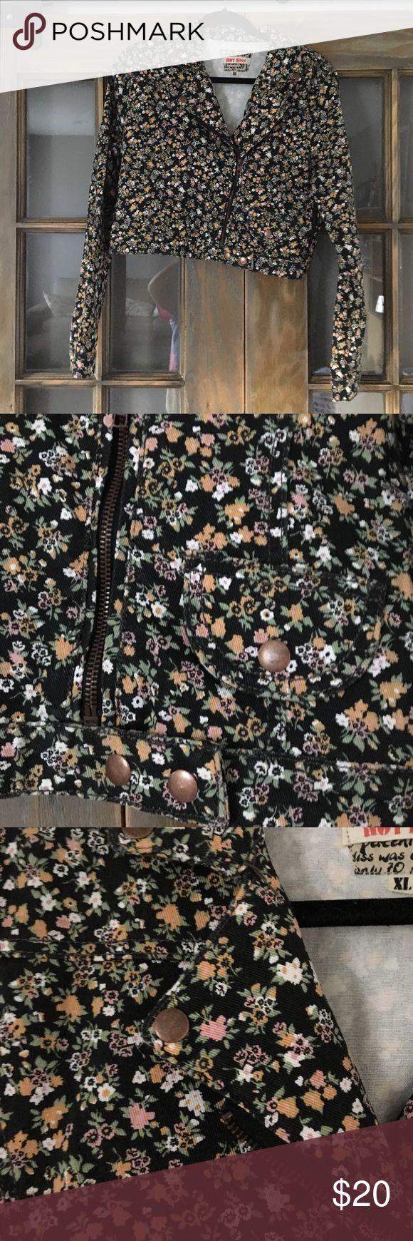 Floral Jacket Floral beschnittene Motorradjacke Passt gut, ein bisschen Stretch dazu …   – My Posh Picks
