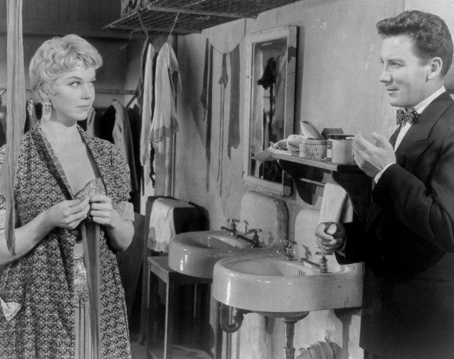 Still Of Doris Day And Cameron Mitchell In Love Me Or Leave Me