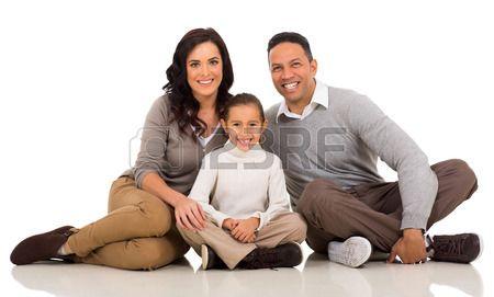 retrato de familia joven linda que se sienta en blanco Foto de archivo