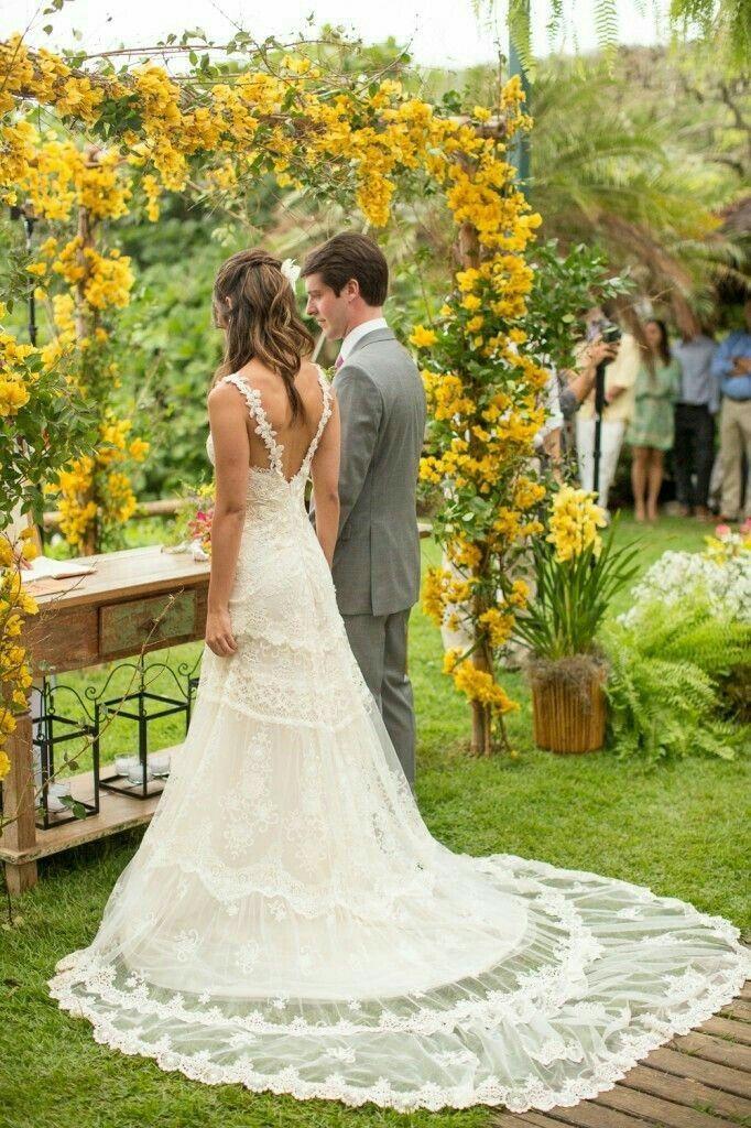 vestido de noiva evasé - costas abertas