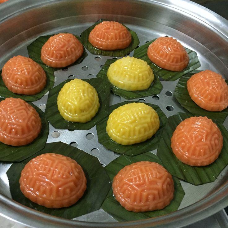 Pumpkin Angku Kuih by Jeannietay's Blog