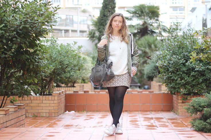 Gold skirt kaki bomber outfit girl stan smith