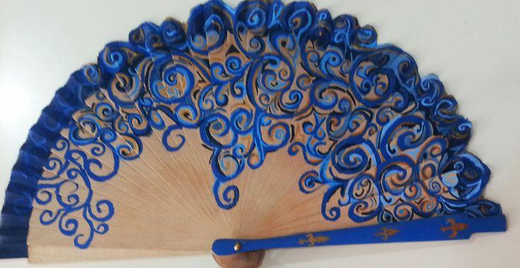 Abanico pintado a mano infórmate en lasmeninasronda@gmail.com o en https://www.facebook.com/lasmeninas.ronda