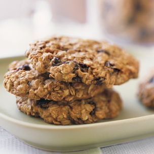 Healthy Oatmeal Cookies...perfect to make with the kiddos today!