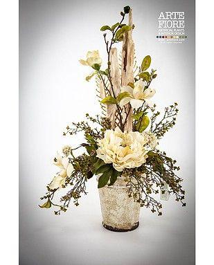 Composizione floreale con fiori artificiali in tessuto:Composizione Peonie in vaso di terracotta