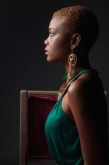 Beautiful Short Haircuts for Black Women-3