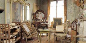 Untouched Apartment In Paris