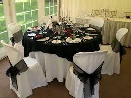 Resultado de imagen para mesas vestidas CON MANTEL NEGRO  para 15 años