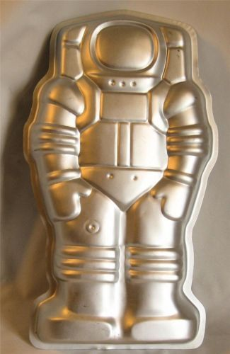 182 Best Images About Wilton Cake Pans On Pinterest