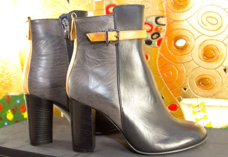Twiggy, Indian Savage shoes, ankle boots