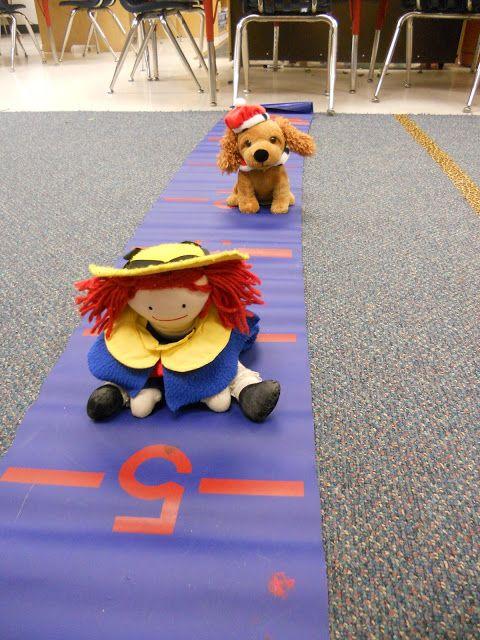 The Daily Cupcake....a Kindergarten Blog: Kindergarten math stations