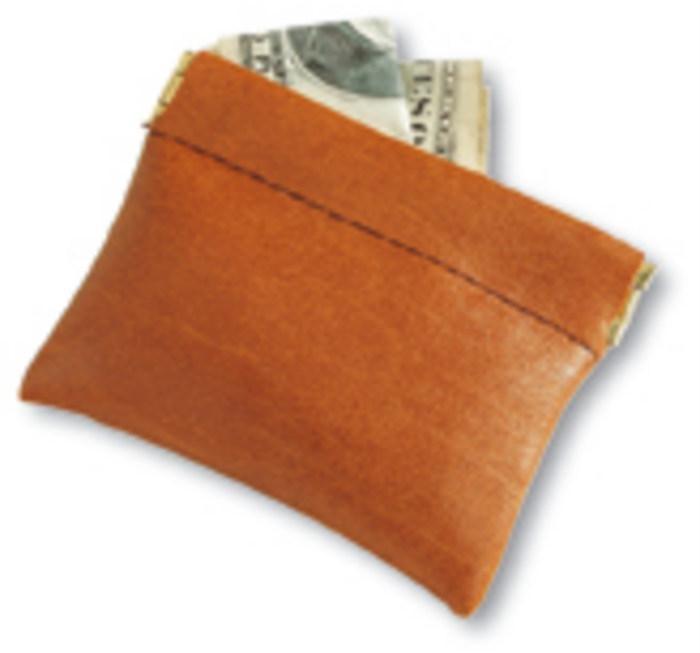 Petit porte monnaie de mon grand-père! Il fallait appuyer sur les côtés, et il s'ouvrait en forme de cocote en papier.