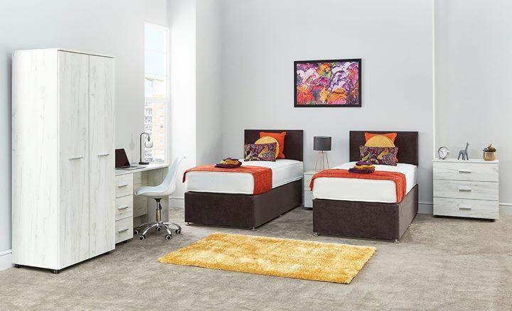 Oak Bedroom Furniture, White Bedroom Furniture Uk Only