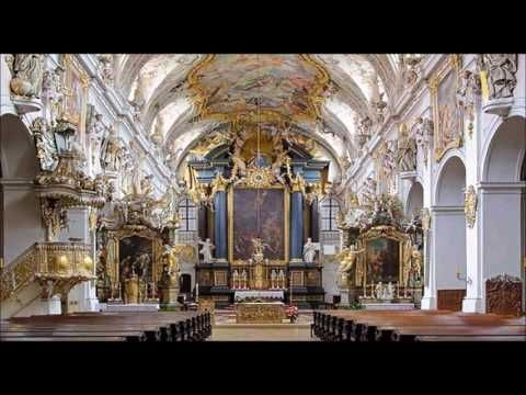 Absolutely superb, boy soprano of Regensburger Domspatzen, Laudate Dominum, 1956 via Acoustica Pro - YouTube