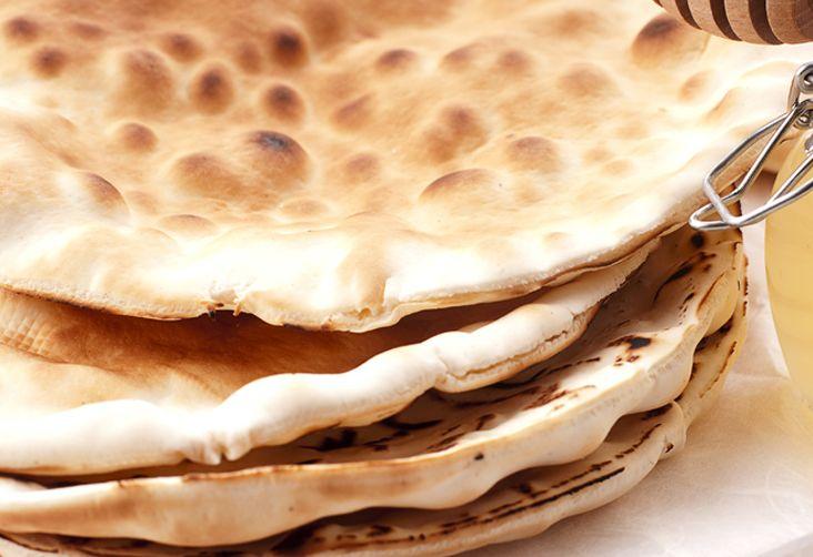 La Spianata di Ozieri è un pane morbido e profumato. Veniva preparato per le nozze e decorato con uno stampo apposito: sa pintadera