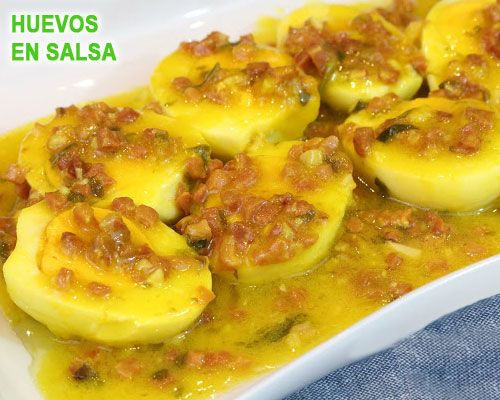 Huevos rellenos en salsa