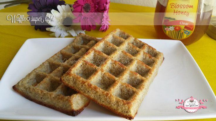 Waffle super light - senza latte e senza grassi (126 calorie l'uno) | Le ricette super light di Giovi
