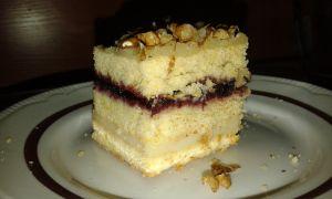 Dziś mam dla Was pyszne, proste ciasto, które piekłam na przyjęcie ślubne mojej przyjaciółki i muszę się nieskromnie pochwalić, że zrobiło ...