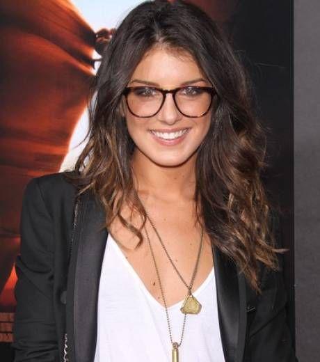 Shenae Grimes lunettes de vue taille XXL