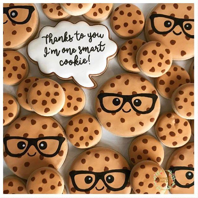 Smart Cookie / Teacher Appreciation Cookies . . .  #teacherappreciation #thankyou #teacherappreciationweek #smartcookie #kawaii #cookies #teachers #thankateacher #sandiego #blondiessweetshop