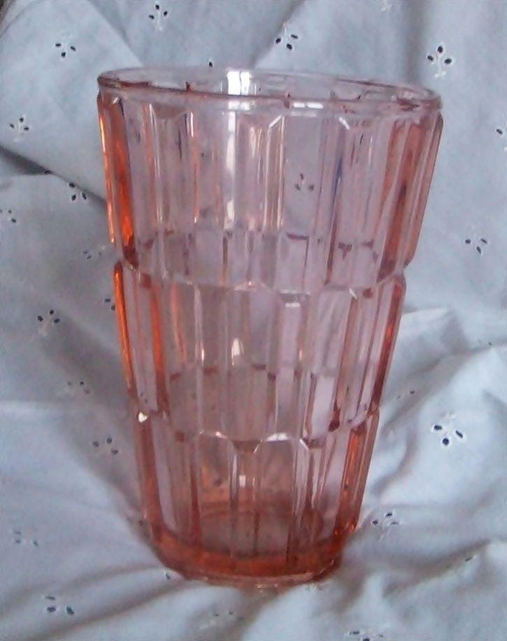 Alte Pressglas - Vase, rosalin
