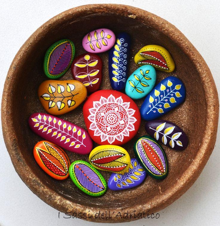 Mini pebbles with a mandala pendant - #isassidelladriatico http://www.facebook.com/ISassiDelladriatico