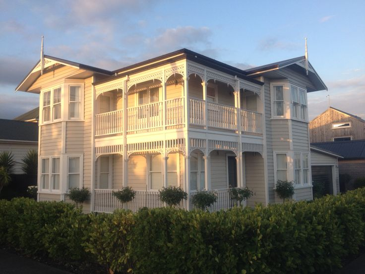 Create a stunning classic and traditional look for your weatherboard house with detailed fretwork and a wrap-around balcony (ID 762)