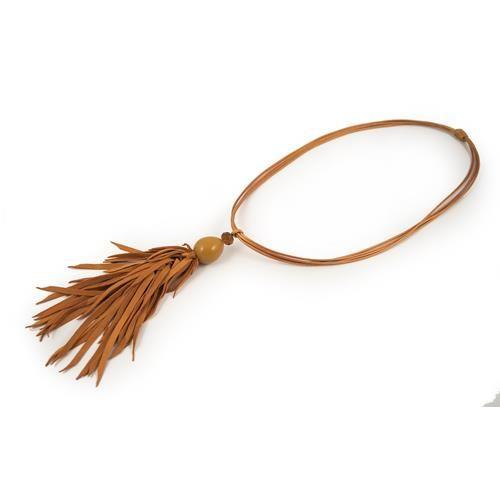 COLLANA SURI MANDARINO - Collana con pendente glossy e frange in morbida suede. Lacci in corda tubolare spalmata.