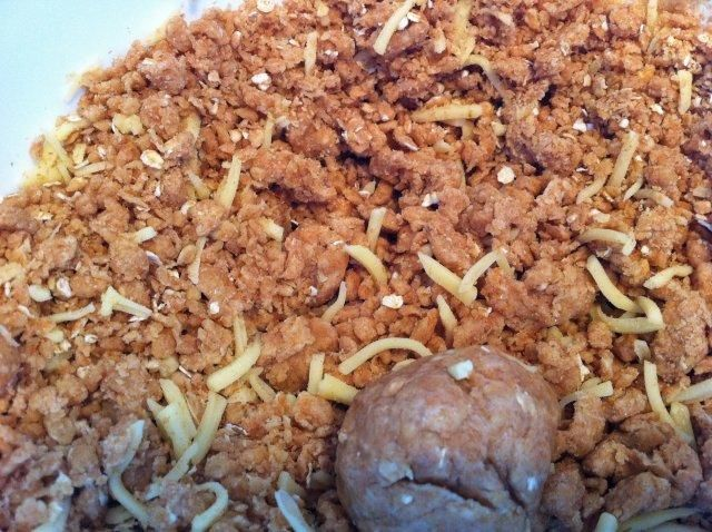 Das perfekte Haferflocken-Kekse für Hunde-Rezept mit Bild und einfacher Schritt-für-Schritt-Anleitung: Zuerst die Butter mit dem Ei cremig…