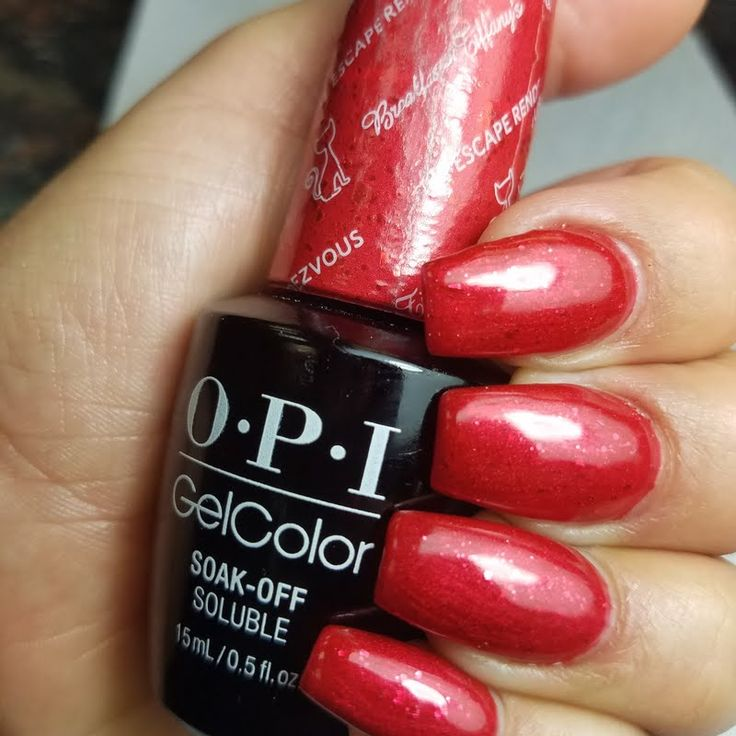 Fall under the influence of Preen.Me VIP Gina D's alluring manicure, created using her gifted #OPI Breakfast at Tiffany's GelColor in Fire Escape Rendezvous. Click through and channel your inner Audrey with this salon-exclusive shade.