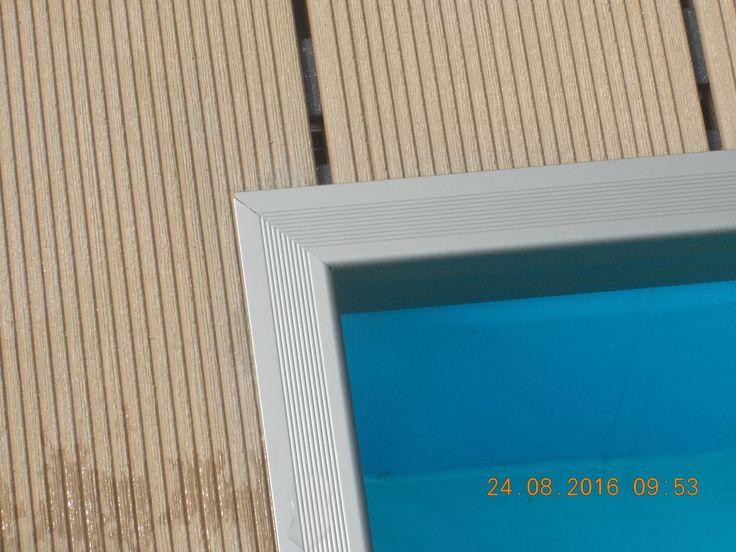 fragment tarasu kompozytowego REHAU PURO, wykończenie listwa aluminiowa