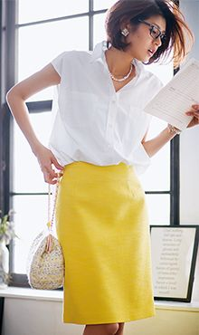 ヘアスタイル◎ 似合う白シャツ×タイトスカートならときにはこんな華やかカラーコーディネートもあり