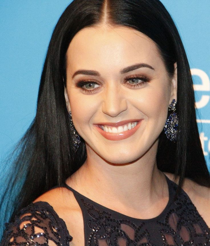 Katy Perrywas born on October 25, 1984, in Santa Barbara, California, United States. She is the daughter of Maurice Keith Hudson and Mary Christine Perry, two evangelical pastors. She has Portuguese, German, Irish and English ancestry. She is the niece of film director and producer Frank Perry...