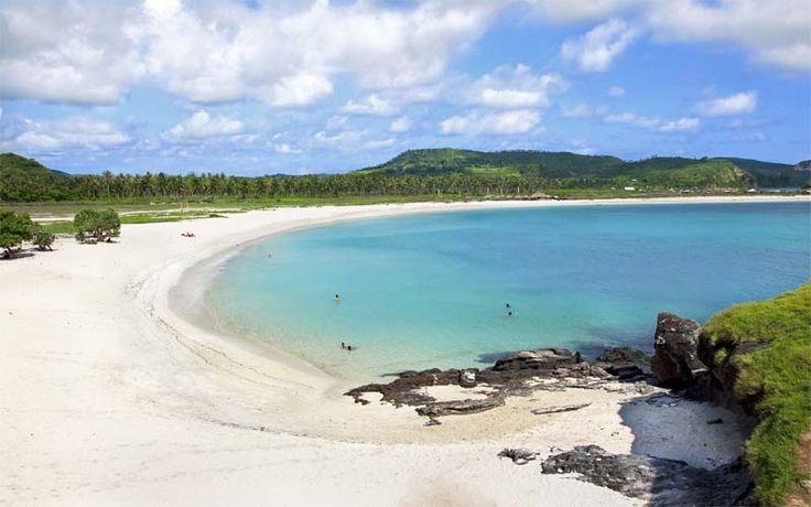 De ongerepte stranden van Zuid-Lombok vormen de ideale afsluiting van iedere rondreis! Rondreis - Vakantie - Lombok - Indonesië - Zuid-Lombok - Kuta - Strand - Beach - Original Asia