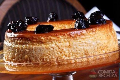 Receita de Pudim de coco com calda de ameixa preta - Comida e Receitas