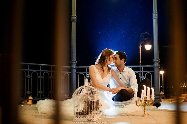 After Wedding Session at night | Trash The Dress, Constanta | More Photos on: http://www.grabazeiphotography.ro/?page=trashthedress&id=173 Sedinta Dupa Nunta | Fotograf Nunta