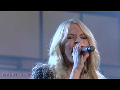 Carrie Underwood - Cowboy Casanova (Live on Letterman)