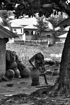 Nigeria: Village Diaries Bill Clinton pottery village on the outskirts of Nigeria's capital city. http://enyounchained.tumblr.com/ Incredible how something as simple as clay can be transformed into such incredible works of art.