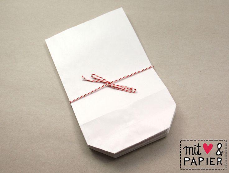 Papiertüten - 25 Papiertüten weiß Gr. L mit Boden Geschenktüten - ein Designerstück von MitHerzundPapier bei DaWanda