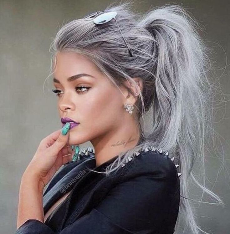 Rihanna silver white hair