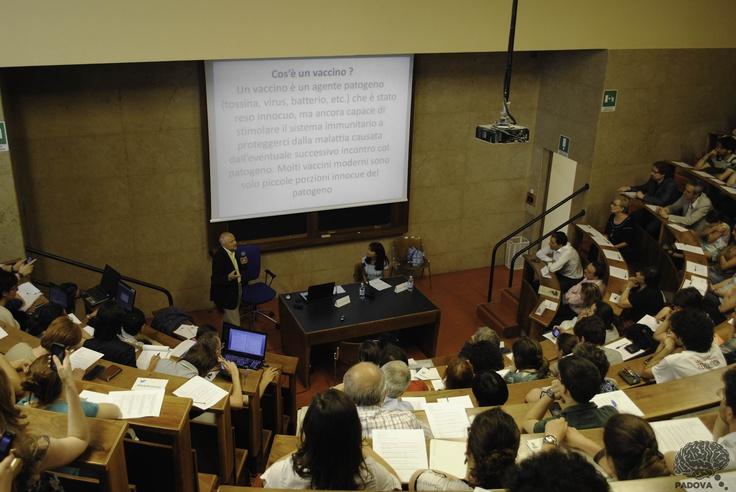 Cosa sono i #vaccini? Ce lo spiega il prof. Cesare Montecucco