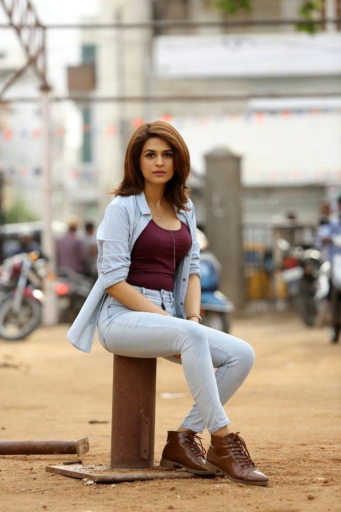 bollywoodmirchitadka: Shraddha Das In Red T-Shirt and Jeans Latest Photo...
