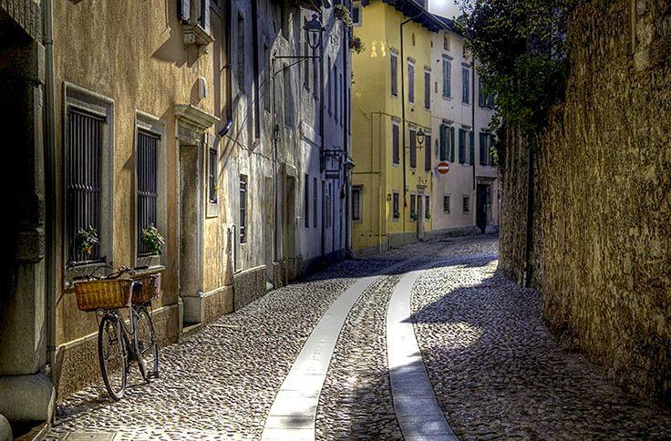 | ♕ | Strada di Cividale - Italy