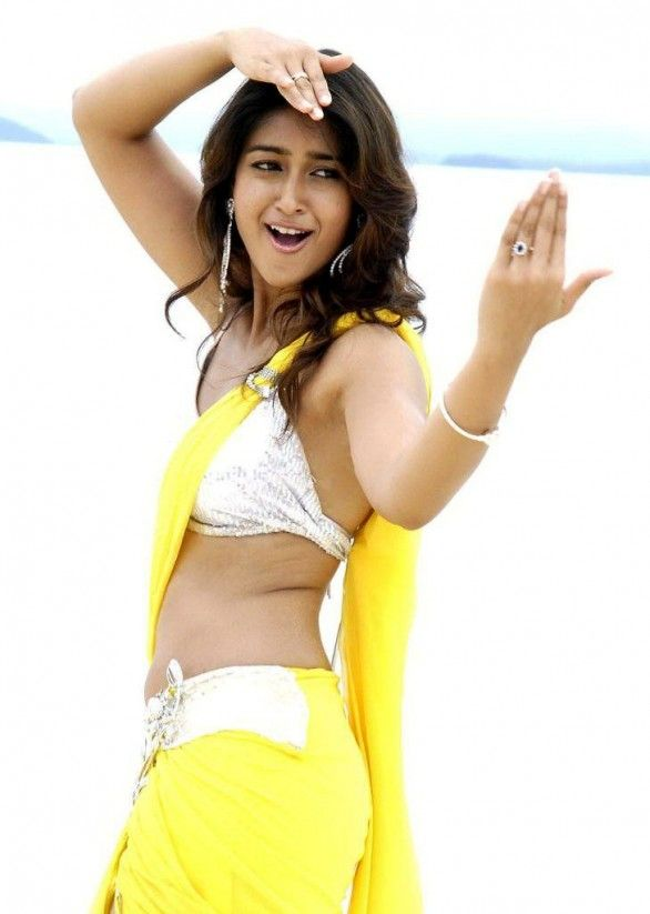 Andrea dubs for Ileana's role in Nanban