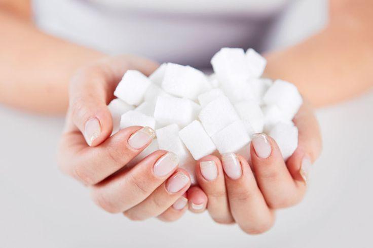 Le sucre n'est pas un aliment à bannir, mais il faut en contrôler sa consommation, en particulier pour les personnes en surpoids ou ayant des...