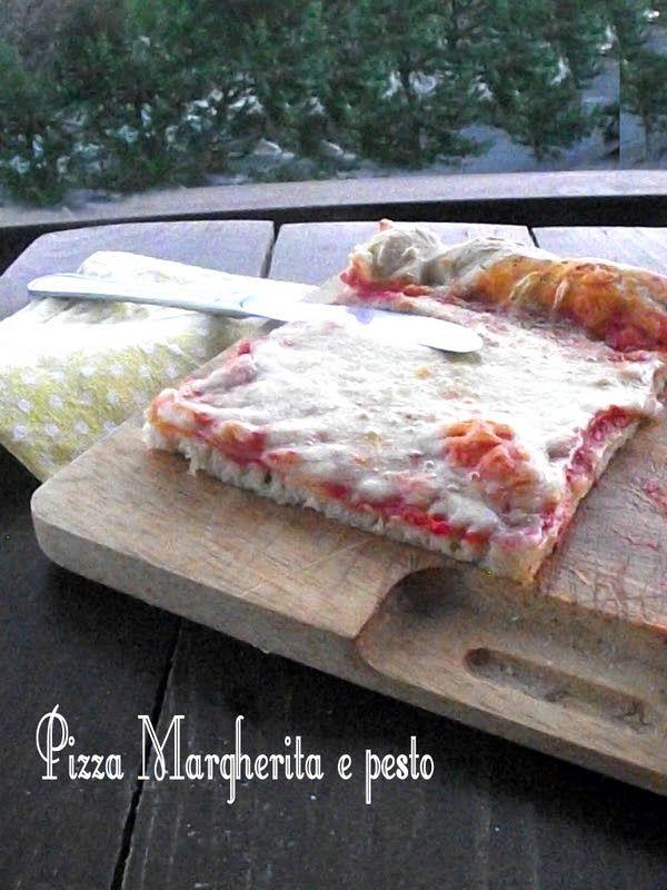 Un'insolita pizza margherita al pesto e uno scherzo particolare