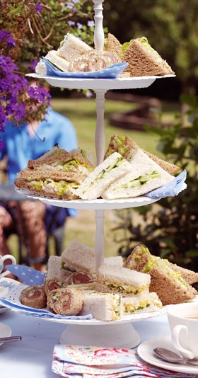Tea sandwich recipes: cucumber, smoked salmon, & more. Perfect for tea parties!