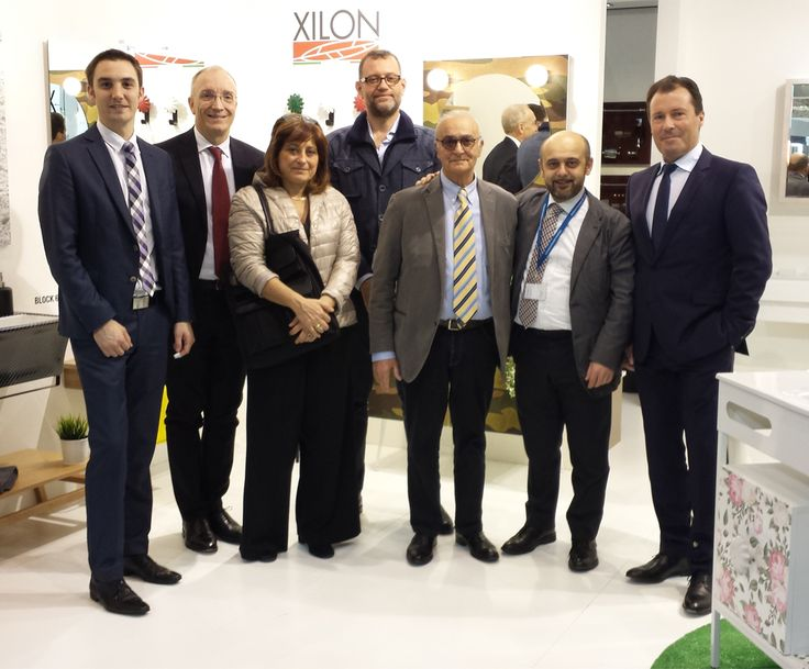 Assobagno and Xilon thank the top management of Messe Frankfurt during their visit at Design Italia.