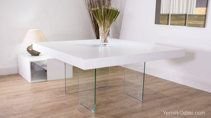 Modern Kare Yemek Masaları Kare kesimleri daha çok sevenler için, dikdörtgen, yuvarlak kesimlerden uzaklaşıyor sonbaharın renklerine, modern dokunuşlar yapıyor ve modern kare yemek masalarını evlerinize getiriyoruz.    6 kişiyi rahatlıkla ağırlayabileceğiniz, siyah modern kare yemek masasında, sizler siyah sandalyeler ... http://www.yemekodasi.com/modern-kare-yemek-masalari/