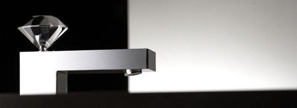 Le designer hollandais signe une épatante série de robinetterie néo-bling pour Bonomi